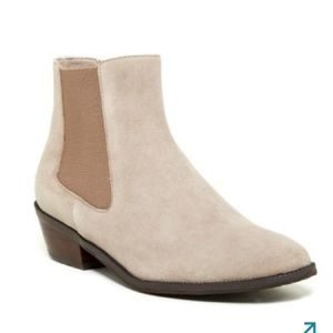 14th & Union Wooster Bootie in Putty Suede
